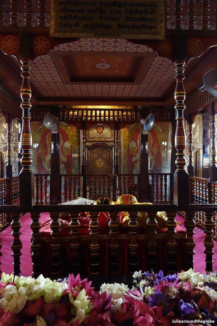 Tooth temple, Kandy, Sri Lanka 1